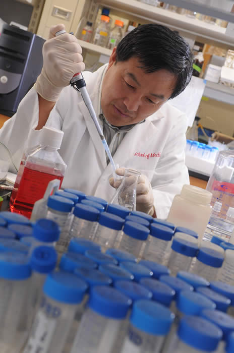 J.T. Zhang in Lab